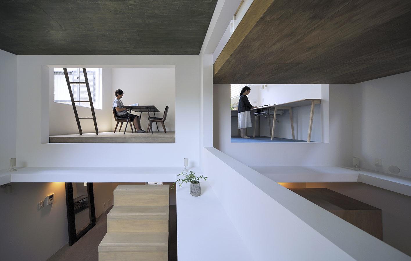 Foto de Casas poco convencionales: viviendo en una estantería gigante (5/14)