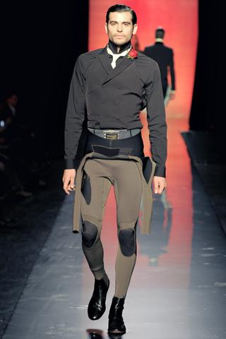 Foto de Jean Paul Gaultier Otoño-Invierno 2011/2012 en la Semana de la Moda de Paris (13/40)