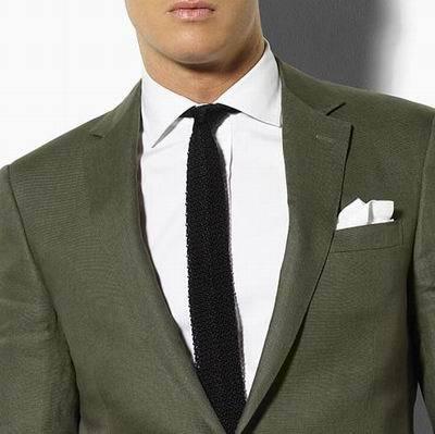 Corbatas de punto de seda: imprescindibles en tu armario