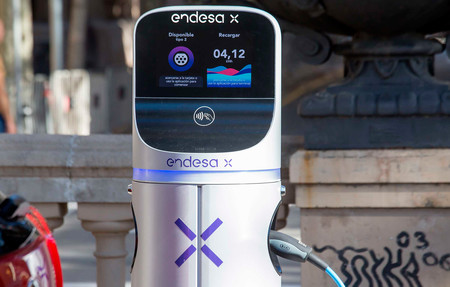Endesa mantiene que a finales de 2020 tendrá 2.000 puntos de carga para coches eléctricos pese al coronavirus