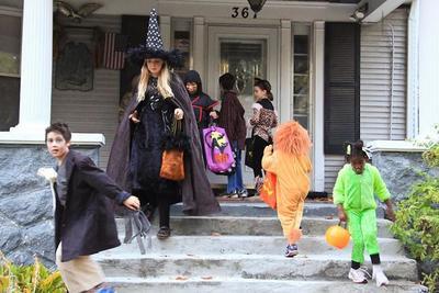 ¿Disfrazas a los niños en Halloween? Consejos para comprar productos seguros