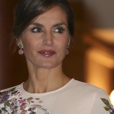 La reina Letizia rinde homenaje a China con un vestido de Asos (y tenemos el link para comprarlo)