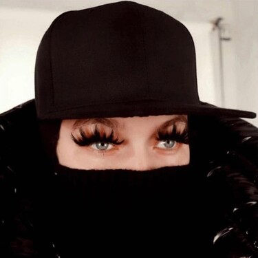 Marc Jacobs apuesta por las maxi pestañas postizas como tendencia de maquillaje para el próximo otoño-invierno