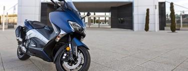 Probamos el Yamaha TMax DX: lujo, tecnología y practicidad para sibaritas