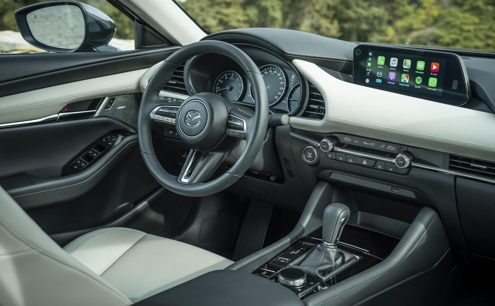 Foto de Mazda3 2019 Sedán (31/40)