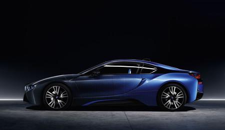 La electricidad invade el Salón de París al tiempo que los fabricantes de coches se alían contra Silicon Valley