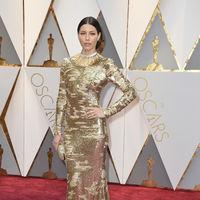 Oscars 2017: Jessica Biel y su recogido ladeado, toda una apuesta por la sofisticación