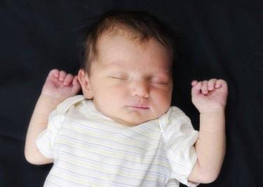 """Encuesta: """"¿Cómo duerme tu bebé?"""""""