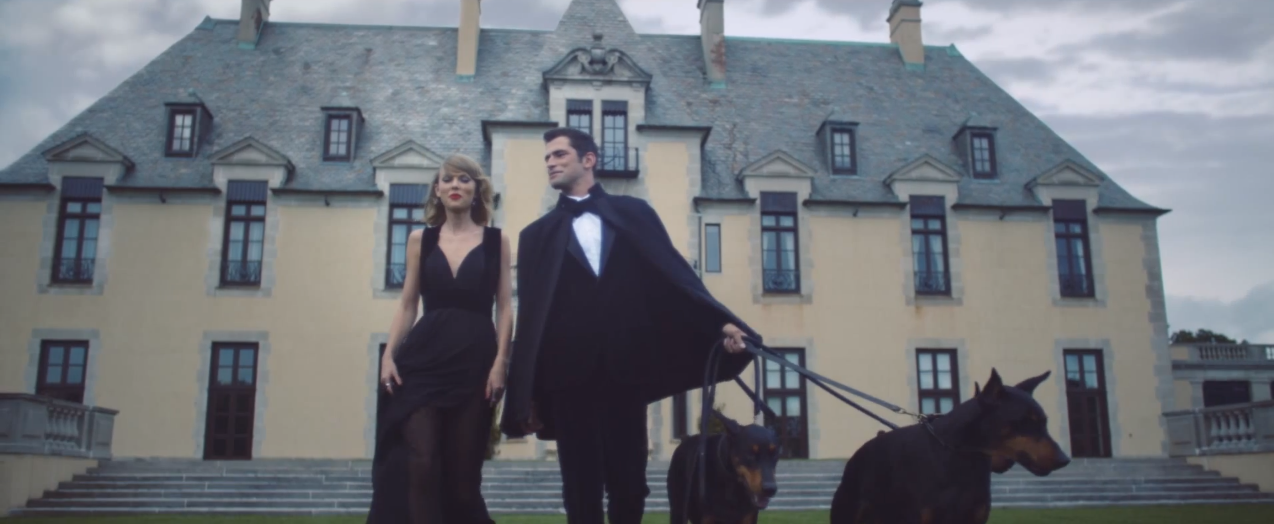 Los looks de Taylor Swift en Blank Space