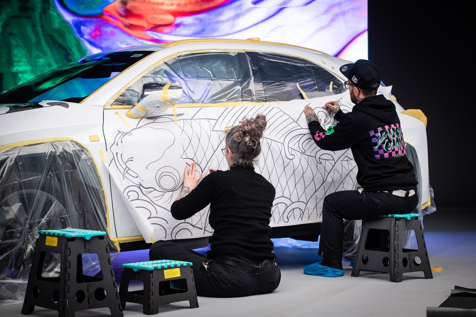 Foto de Lexus UX tatuado (25/27)