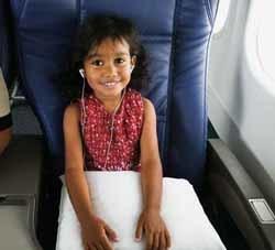 Cómo entretener a un niño en el avión