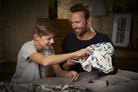 En Amazon tenemos el Halcón Milenario de Lego Star Wars por 128,70 euros y envío gratis