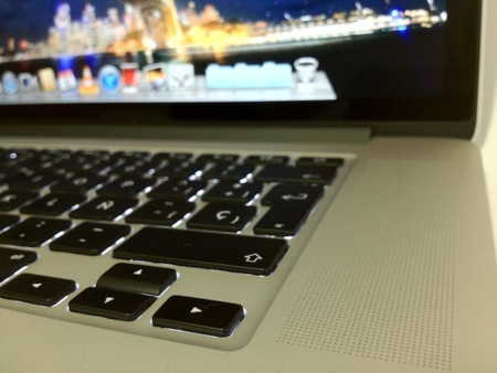 MBPro RD pantalla teclado altavoz