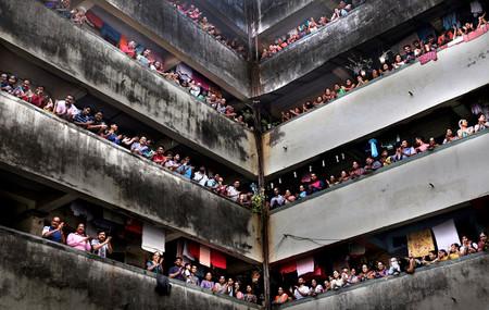 Cómo se confina 1.300 millones de habitantes: India y la distancia social en un país hacinado