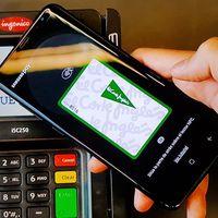 Los 11 millones de clientes de tarjeta de El Corte Inglés pueden jubilar el plástico con Samsung Pay