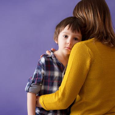 Crisis de ausencia, o cuando parece que el niño se ha quedado en blanco: en qué consisten este tipo de crisis epilépticas