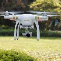 La FAA lo deja claro: dispararle a un dron es un delito en Estados Unidos