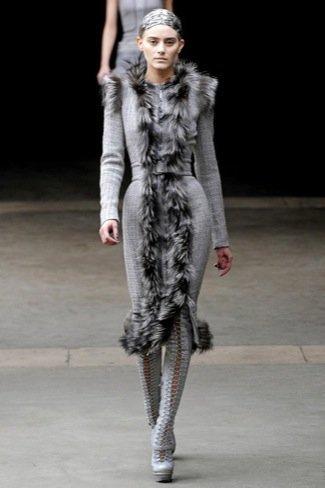 Alexander McQueen gris