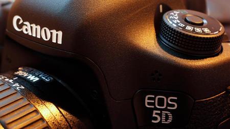 Canon contraataca: Tenemos nueva full frame de gama baja a la vista