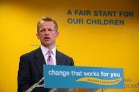 Primer escándalo de corrupción en la recién estrenada coalición británica