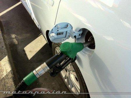 La gasolina se abarata por primera vez en 14 semanas