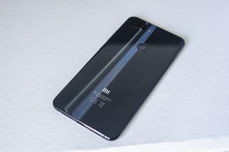 Xiaomi Mi 8 Lite Trasera