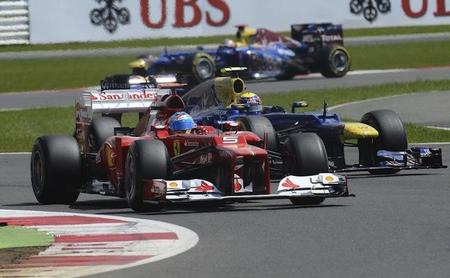 Fernando Alonso empezó con duros