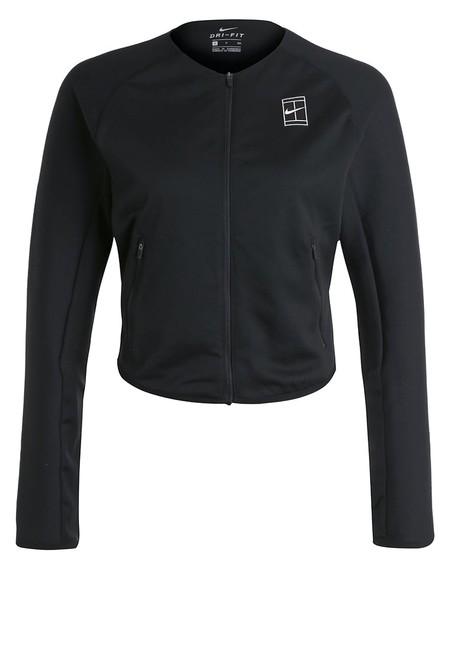 La chaqueta de tenis   Nikecourt Baseline en negro está rebajada a 48,95 euros en Zalando con envío gratis