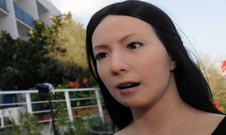 [Vídeo] Robot japonesa interpreta obra de teatro de Chejov