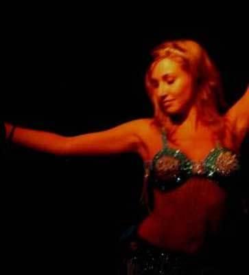 Danza del vientre para moldear nuestra figura. Operación bikini
