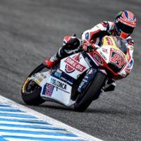 Sam Lowes domina la carrera de Moto2 y afianza su liderato