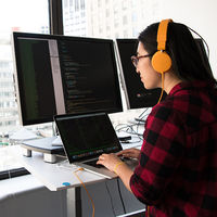 Aquí tienes 500 cursos gratis de programación que puedes tomar en agosto