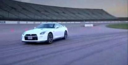 Nissan GT-R en Fifth Gear, y un pequeño vistazo al pasado