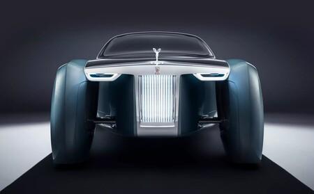 Rolls-Royce solo fabricará coches eléctricos a partir de 2030: estos son los planes de futuro de la marca de lujo