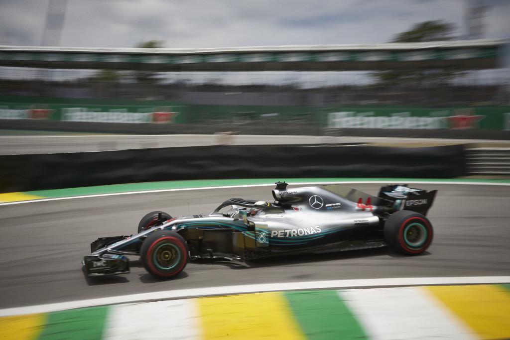 Lewis Hamilton gana en Brasil y convierte a Mercedes en Campeones del Mundo de Constructores