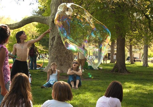 como hacer burbujas gigantes