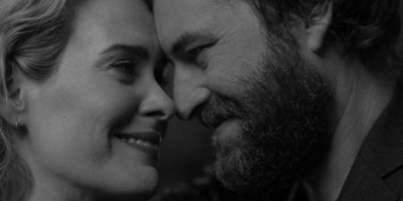 'Blue Jay', tráiler de una historia romántica con Sarah Paulson y Mark Duplass