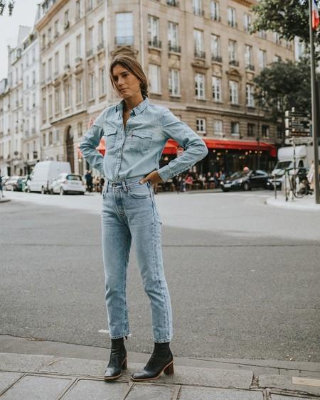 Inspírate en el street style para sacarle el máximo partido a tu camisa vaquera con 5 estilos diferentes