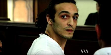Mahmoud Abou Zeid sigue preso y podría ser condenado a muerte por fotografiar la masacre de Rabaa al-Adawiya hace tres años