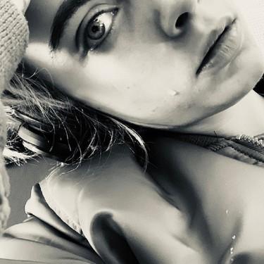 Cara Delevigne nos recuerda lo sano que es llorar y nos hace reflexionar sobre lo importante que es hacerlo sin avergonzarnos