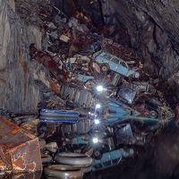 La Cueva de las Almas Perdidas: una mina abandonada que el hombre convirtió en un cementerio clandestino de coches