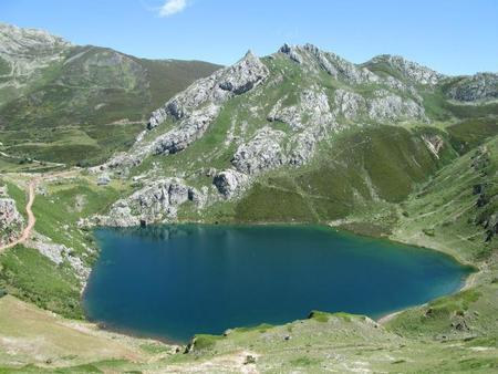 lago_de_la_cuevaa.jpg