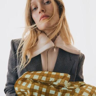 Ir a la compra derrochando estilo (y comodidad) es posible gracias a Zara y sus carros plegables