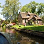 Nueve fotografías para enamorarte de Giethoorn, el idílico pueblo holandés con canales en lugar de carreteras