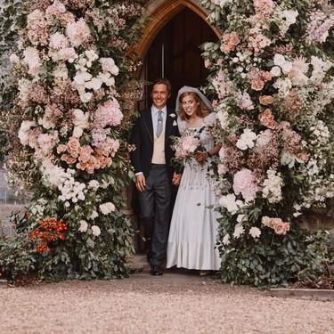 La princesa Beatriz elige para su boda con Edoardo Mapelli Mozzi un vestido que perteneció a su abuela, la reina de Inglaterra