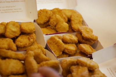 Nuggets de pollo: mucho más grasa que carne de pollo