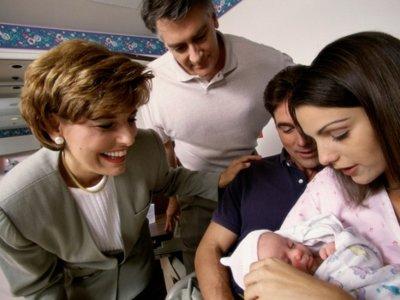 ¿Por qué la mayoría de las madres se ha sentido presionada por la forma de criar a su bebé?