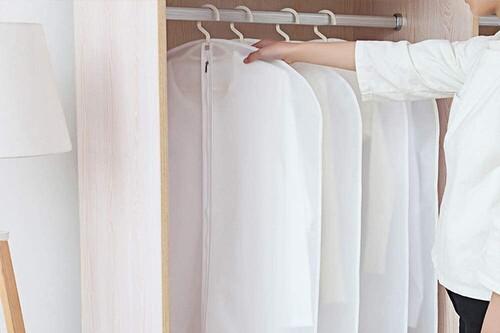 Tu casa en orden con estos 13 artículos de almacenaje de Amazon: fundas  para armarios, cajas de zapatos o separadores de cajones