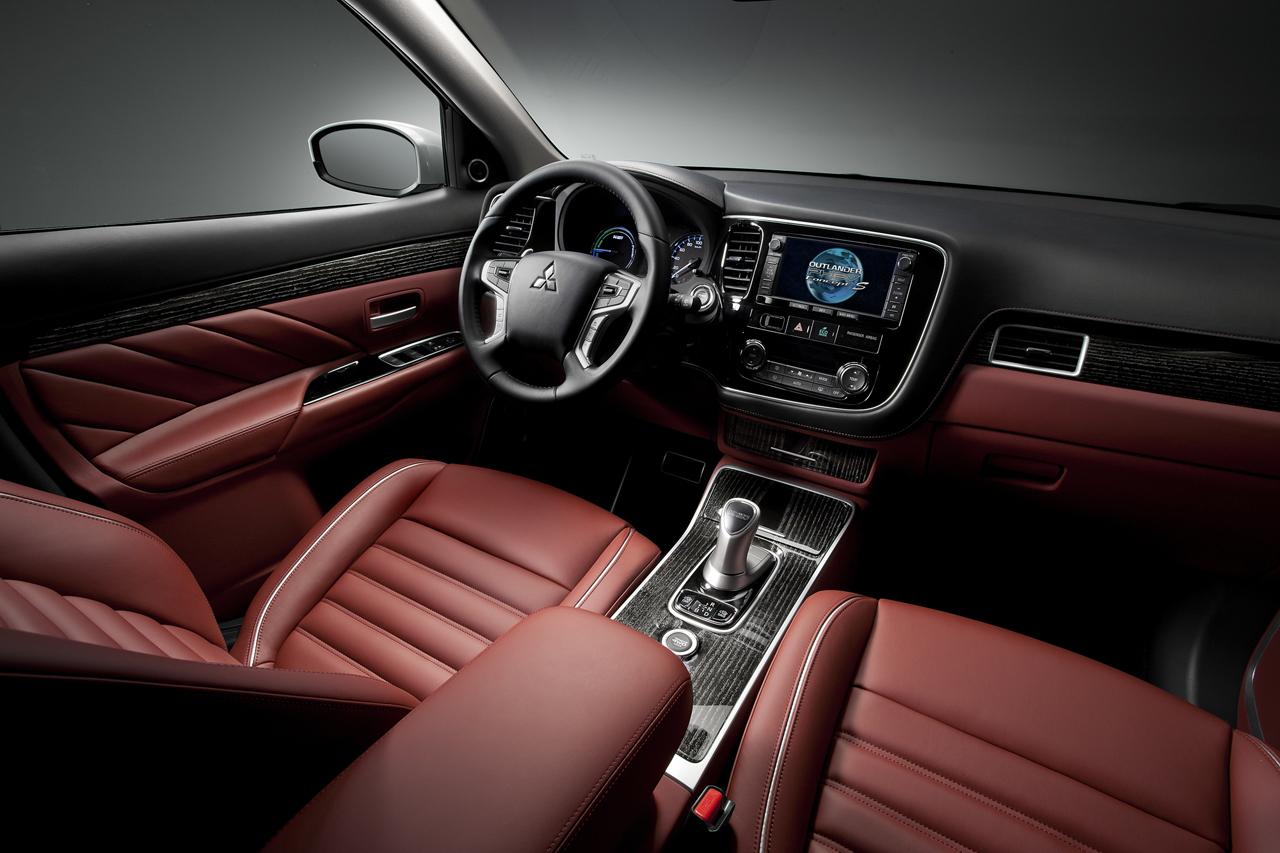 Foto de Mitsubishi Outlander PHEV Concept-S (25/49)
