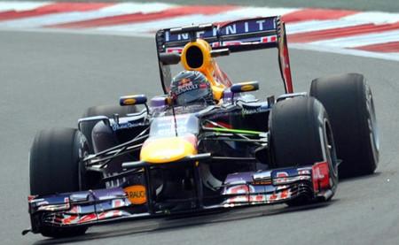 Sebastian Vettel marca el mejor tiempo bajo miedo de degradación extrema en una sesión acortada